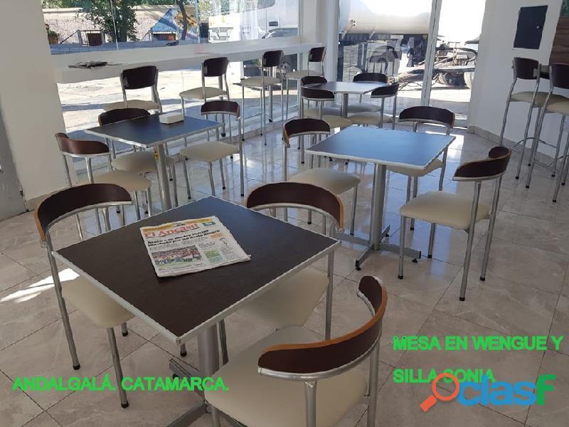 Mesas y sillas para bar y restaurante.