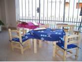 Mesitas y sillas para niños