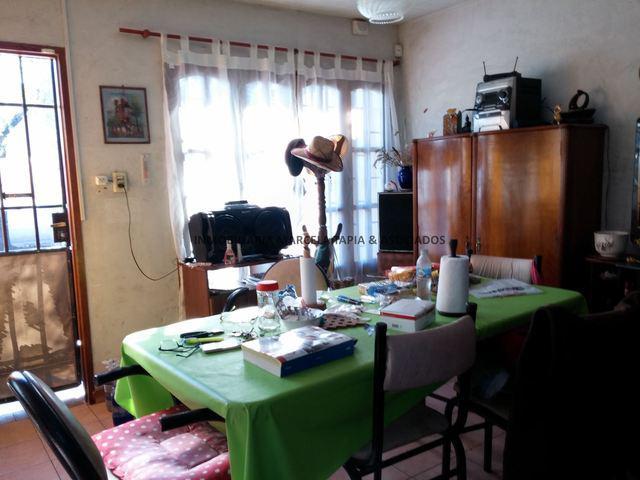 Vendo casa en barrio villa emilia godoy cruz mendoza