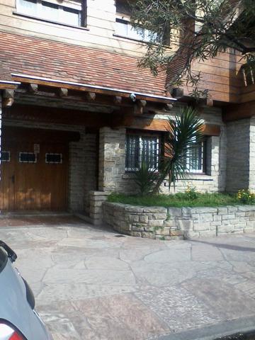 Venta ph zona materno 168 m.,3 dorm, garage, depend