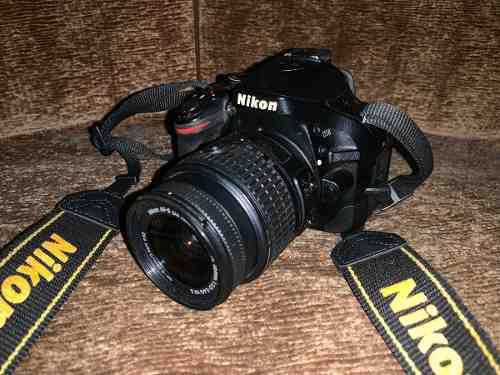 Camara nikon d5200 con lente 18-55mm