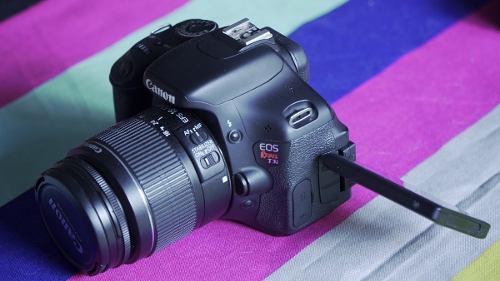 Canon T3i + Lente Kit 18-55mm
