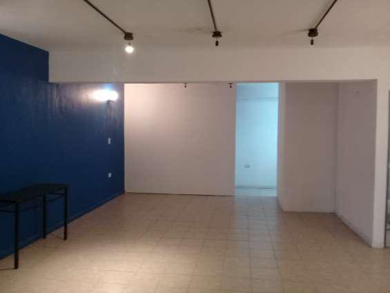 Oficina en alquiler o venta. 100 m2. apto uso comercial en