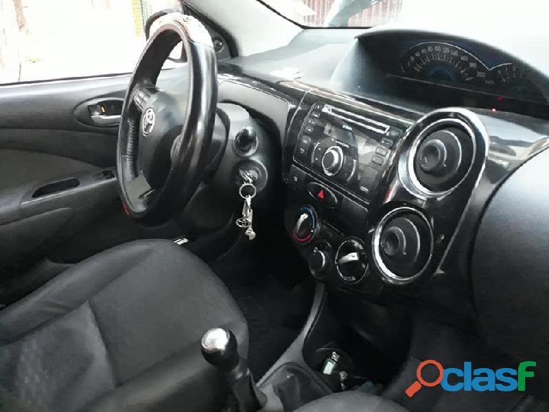 Toyota Etios sedan 2014 xls Full Excelente estado 4