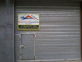 Local comercial a escasos metros de la estación de glew en