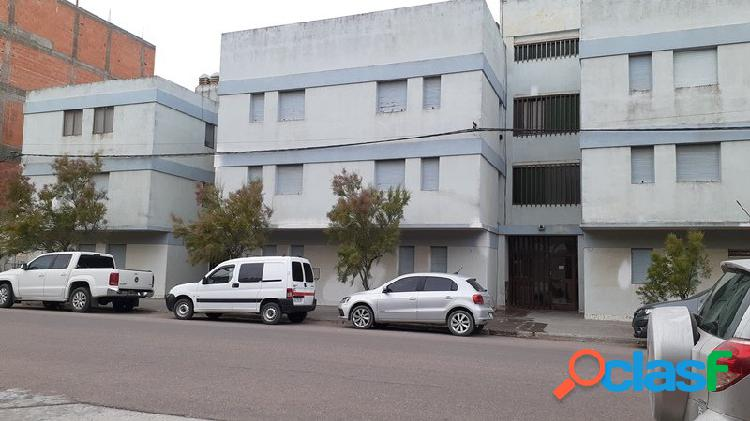 Depto 2 dorm a 1 cuadra del mar