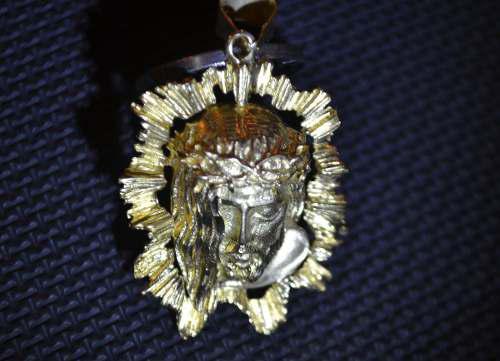 Vendo Pasión De Cristo, Oro 18k Italiana. Permuto.ipon