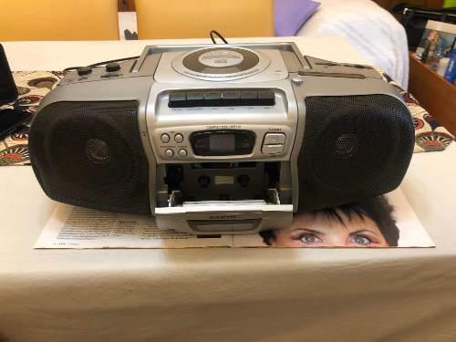 Radiograbador sanyo cd cassette y radio fm/am para repuesto.