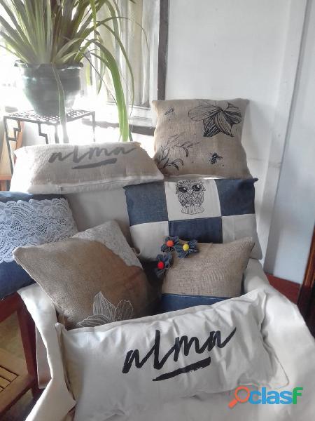 Almohadones delantales y bolsos por mayor y menor