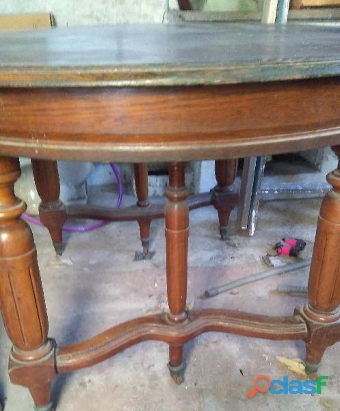 Mesa antigua de madera (roble) extensible