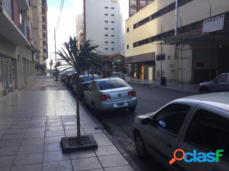 Local en venta. Sarmiento y Av. Colon 1