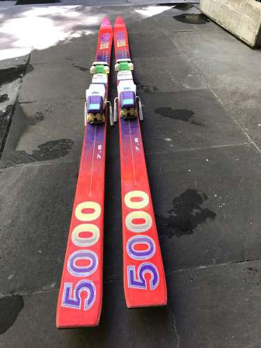 Tablas Ski K2, Bastones Blizzard, Fijaciones Marker, Bolso