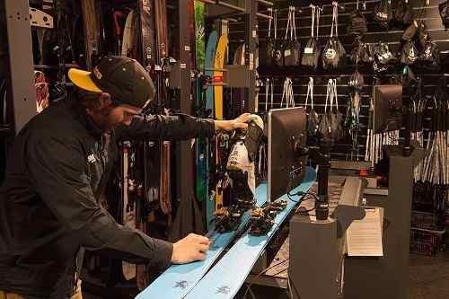Taller ski snowboard service reparaciones eco eurocamping