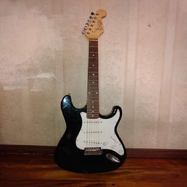 Vendo guitarra eléctrica en La Boca