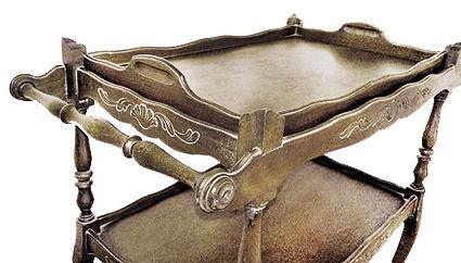 Mesa rodante madera antigua en san cristóbal