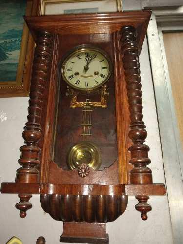 Antiguo reloj péndulo alemán d.r.g.m. año1900,