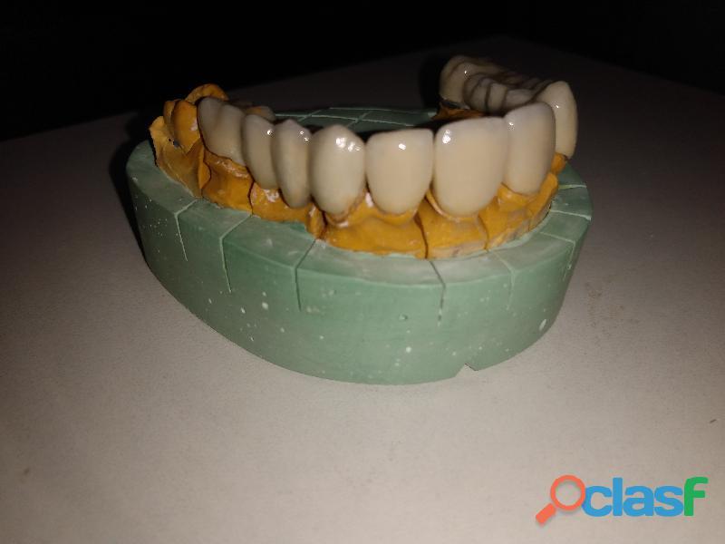 Mecánico dental con experiencia