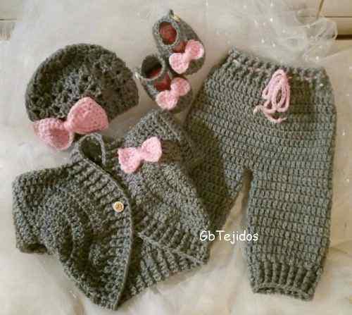 Conjunto para bebe tejido al crochet