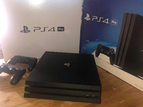Sony playstation ps4 pro 4k 1tb + 02 joysticks originales