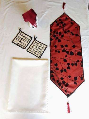 Camino de mesa bordo tornasol borlas seda