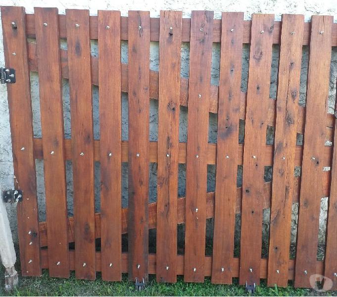 Porton de madera dura 1.50m alto x 1.88m ancho