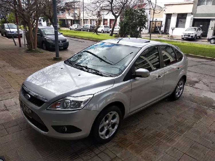Ford focus ghia 2012 2.0