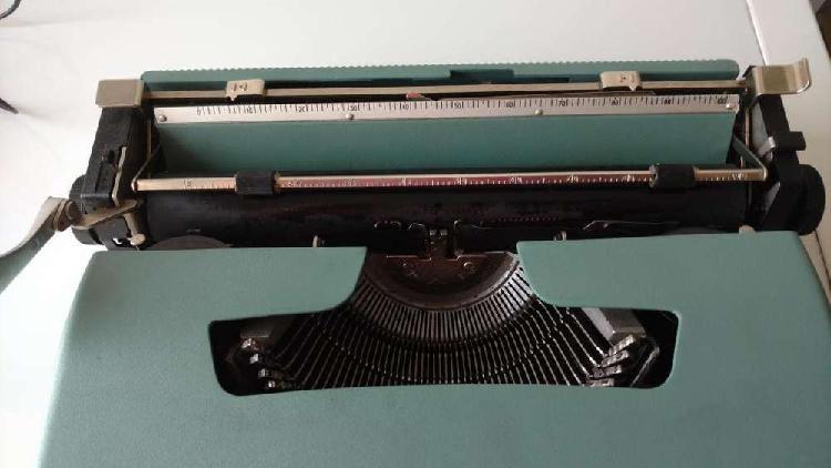 Maquina escribir olivetti lettera n u e v a