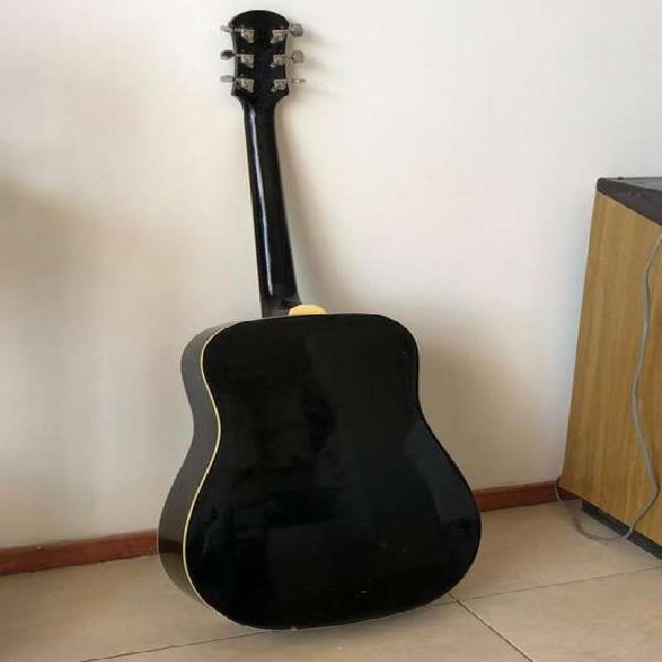 Vendo guitarra acustica texas. no permuto. calibrada y con