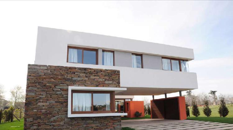 Casa barrio privado rumenco