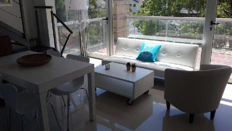Diseño y confort! duplex de un dormitorio. a 1 cuadra del