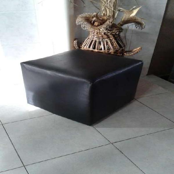 Vendo puff negro de cuero original , medidas 36 x 36 cm, con