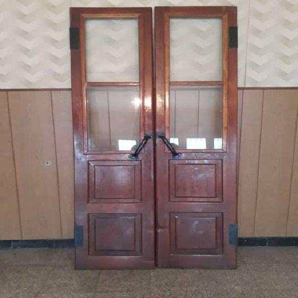 Puerta antigua carnicería