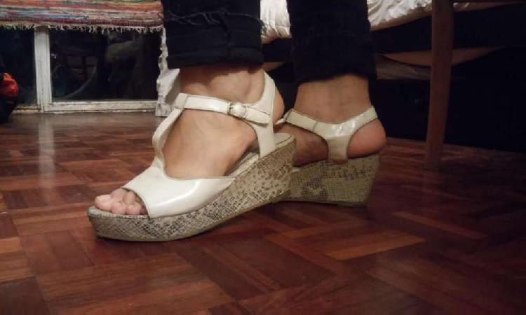 Sandalias Blancas de Verano