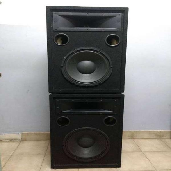 Vendo : cajas acústicas marca bravox completamente nuevas ,