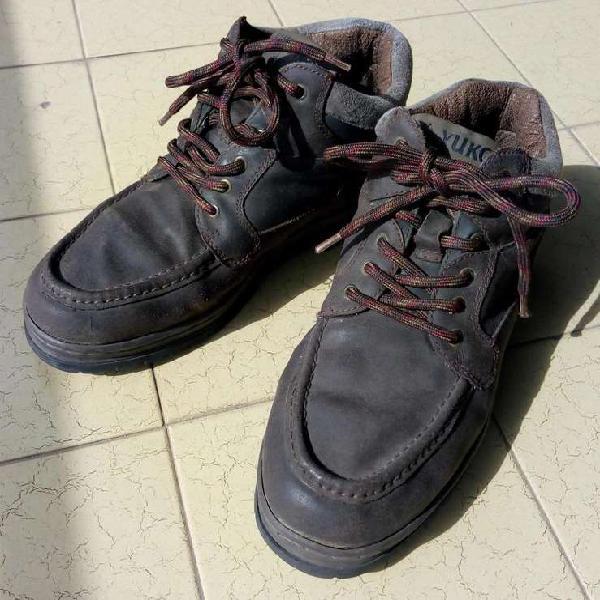 Zapatos botines cuero yukon nro 44 robustos