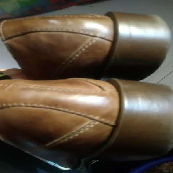 Zapatos cuero 40