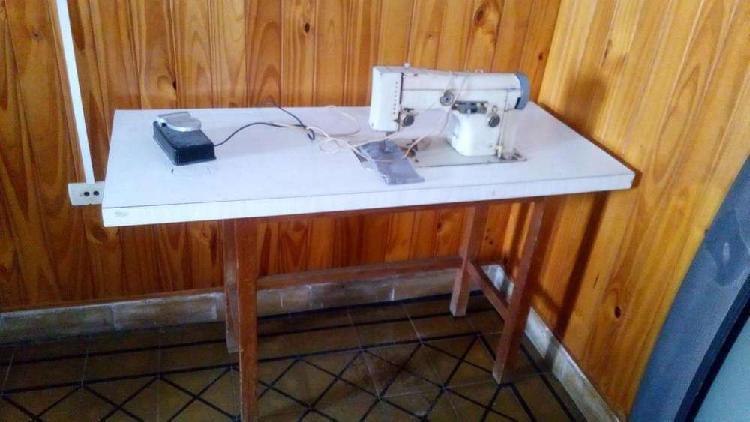 Maquina de coser necci