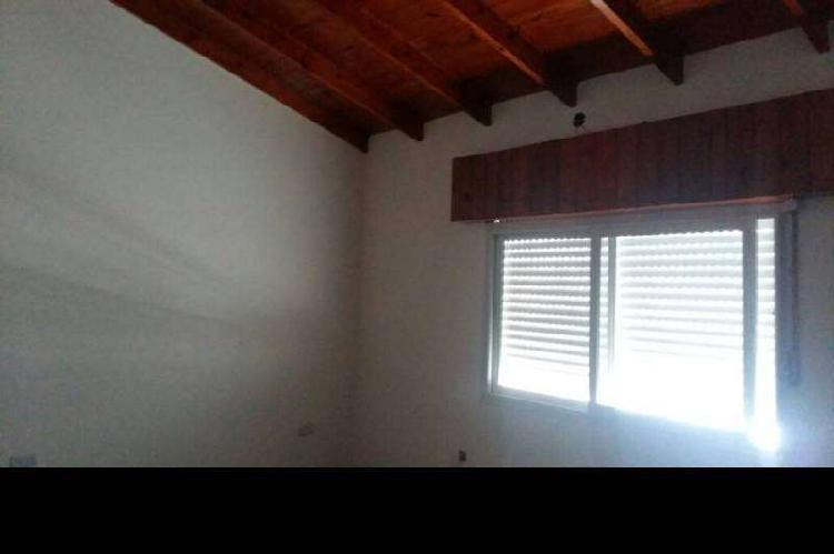 Casa en alquiler ramos mejia / la matanza (a017 462)