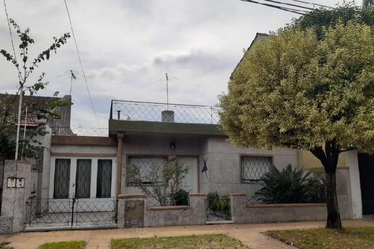 Casa en venta ramos mejia / la matanza (b127 203)