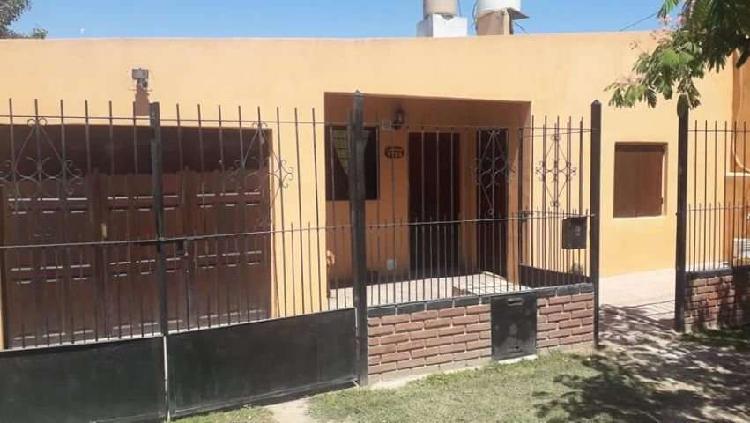 Casa en venta 3 amb c/garage + casa atras 3 amb. b/