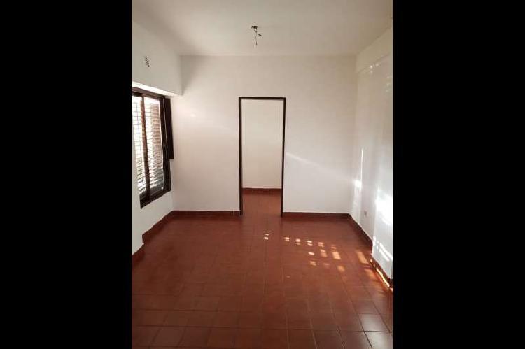 Departamento en alquiler ramos mejia / la matanza (a141