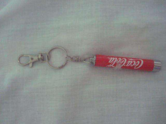 Llavero memorabilia de coca cola con luz led