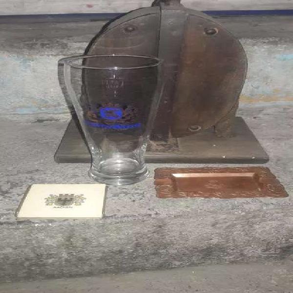 Vaso aleman de cristal, porta vaso y cenicero