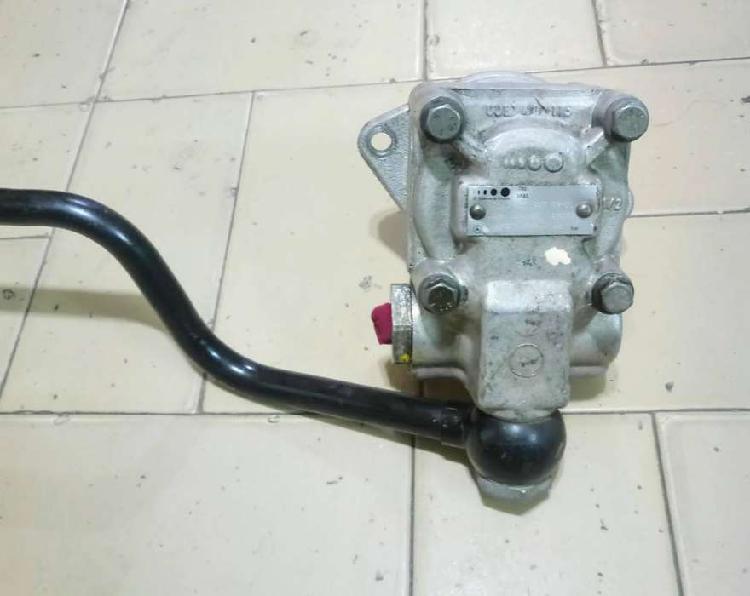 Bomba hidraulica mercedes benz 710