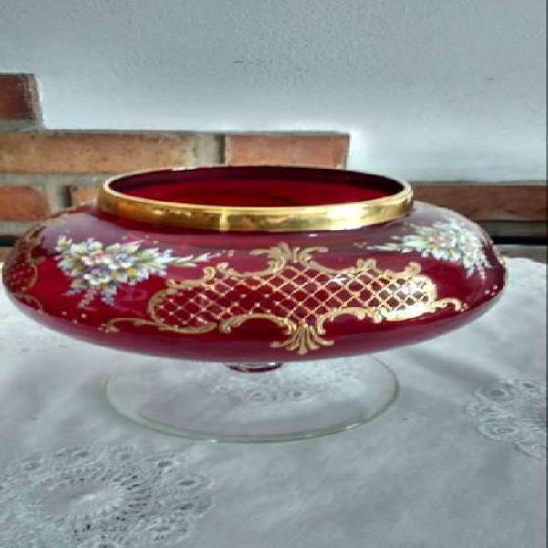 Florero antiguo de cristal italiano labrado