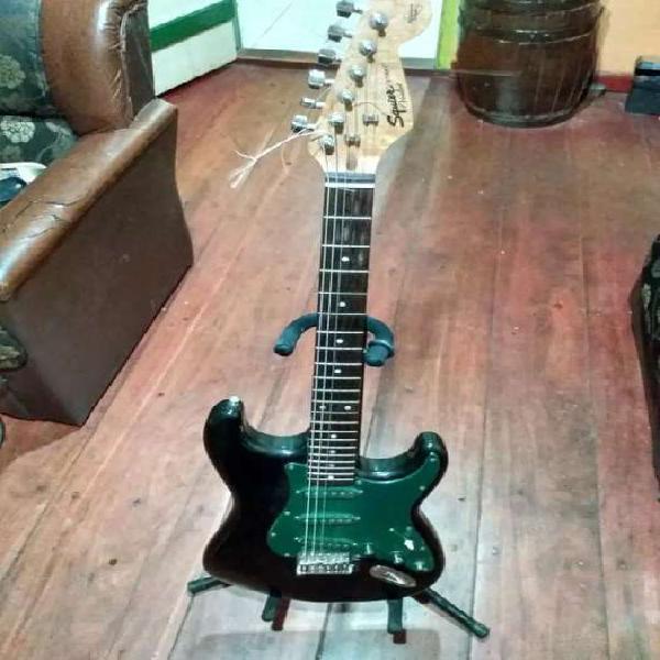 Guitarra eléctrica strat fender!