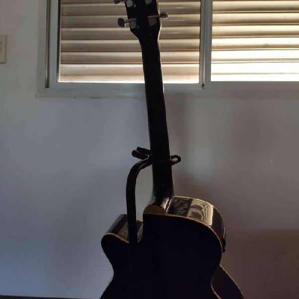 Guitarra electroacustica lyon