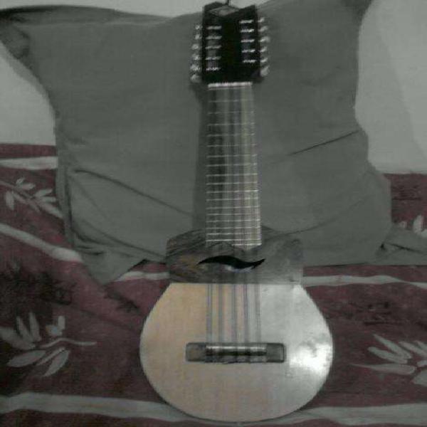 Luthier...reparación de instrumentos de cuerdas,