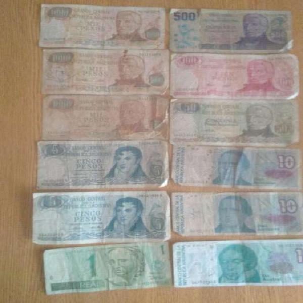 Lote de billetes y monedas