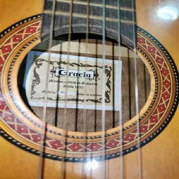 Vendo guitarra gracia m2 impecable